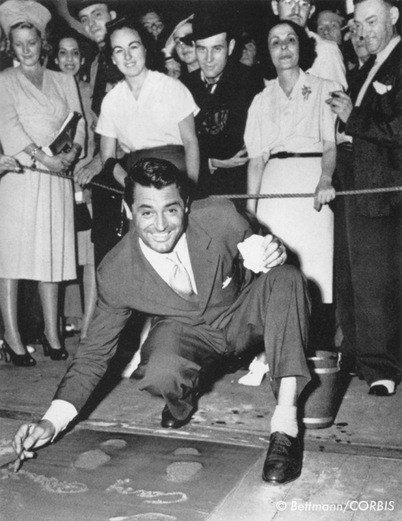 cary_grant_at_graumans_footprints